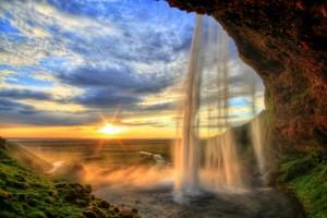 La cascade zen et les pensées